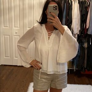 🔥Deal🔥White blouse with lace the neckline.